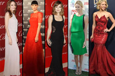 Sonar con una mujer de vestido rojo
